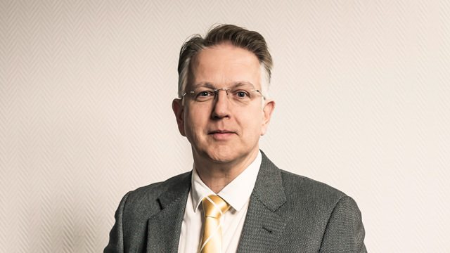 Dr. Karsten Bertram